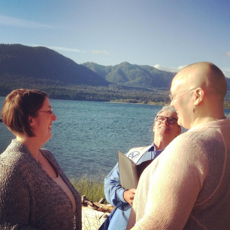 Rebecca & Laurie crack me up @Lake Quinalt!